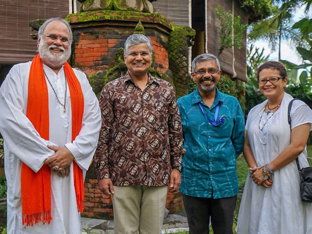 Bersama Mr. Pradeep Kumar Rawat